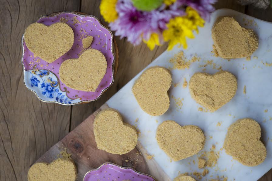 receita-como-fazer-pacoca-com-farinha-de-mandioca-ickfd2