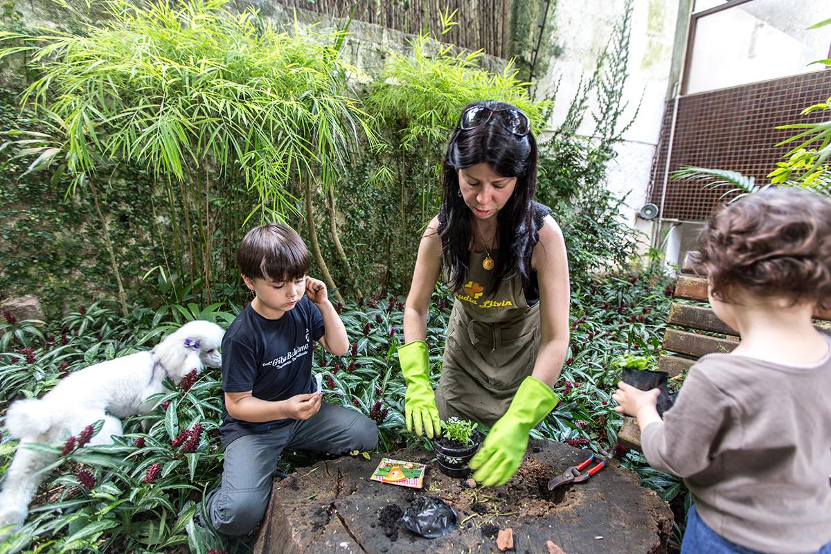 Jardinagem com crianças é pura diversão