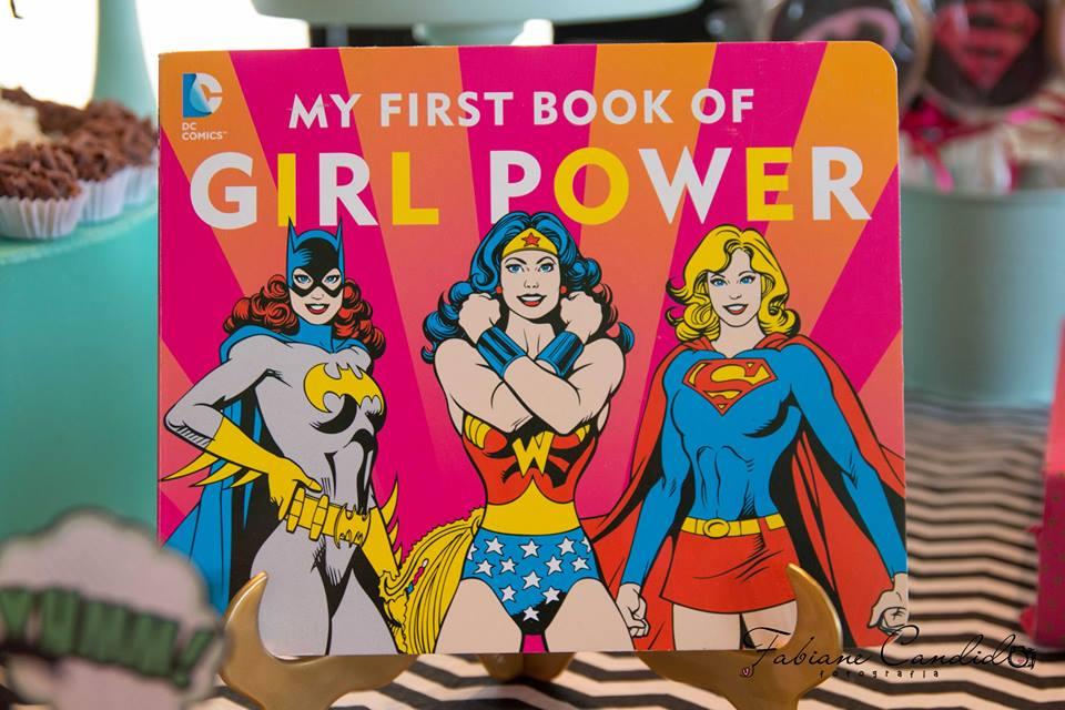 Uma festa para supermeninas!